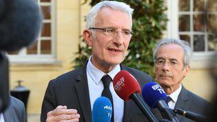 Le patron de la SNCF, Guillaume Pepy, le 7 mai 2018 à Matignon, à Paris. (CHRISTOPHE ARCHAMBAULT / AFP)