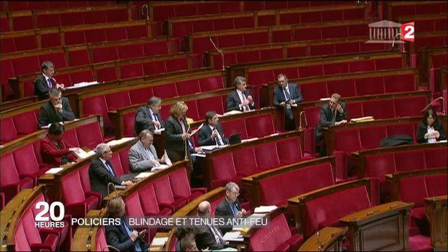 Protection des policiers : Manuel Valls annonce des mesures d'urgence