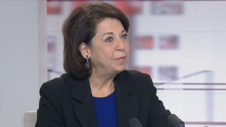 Corinne Lepage aux 4V du 15 novembre 2011 (FranceTV)