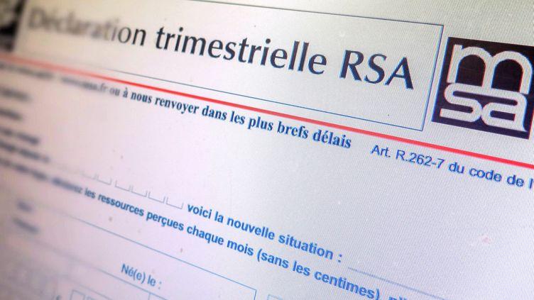 Tous les trois mois, les bénéficiaires du RSA doivent faire un point sur leur situation. (BRUNO LEVESQUE / MAXPPP)