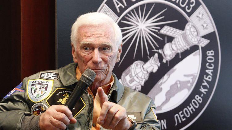 Eugene Cernan lors de la présentation d'une mission à Oklahoma (Etats-Unis), le 27 mai 2010. (BRETT DEERING / GETTY IMAGES NORTH AMERICA / AFP)