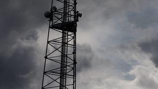 Une antenne-relais. Illustration. (QUEMENER YVES-MARIE / MAXPPP)