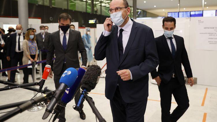 Le Premier ministre Jean Castex en déplacement à l'aéroportRoissy-Charles de Gaulle, le 24 juillet 2020. (THOMAS SAMSON / AFP)