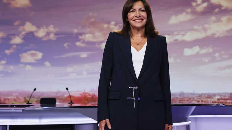 Lamaire de Paris Anne Hidalgo sur le plateau du journal de 20 heures de France 2, dimanche 12 septembre 2021. (THOMAS SAMSON / AFP)