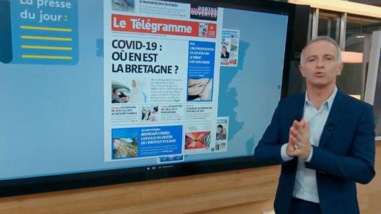 Le kiosque à journaux : Covid-19, François Baroin, fin de l'école à la maison (FRANCEINFO)