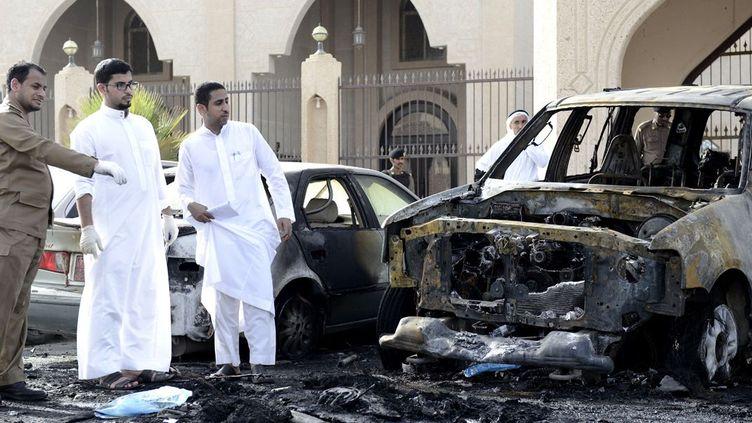 Attaque suicide contre une mosquée chiite de la ville de Dammam revendiquée par l'EI. (mai 2015) (AFP /photo STR)