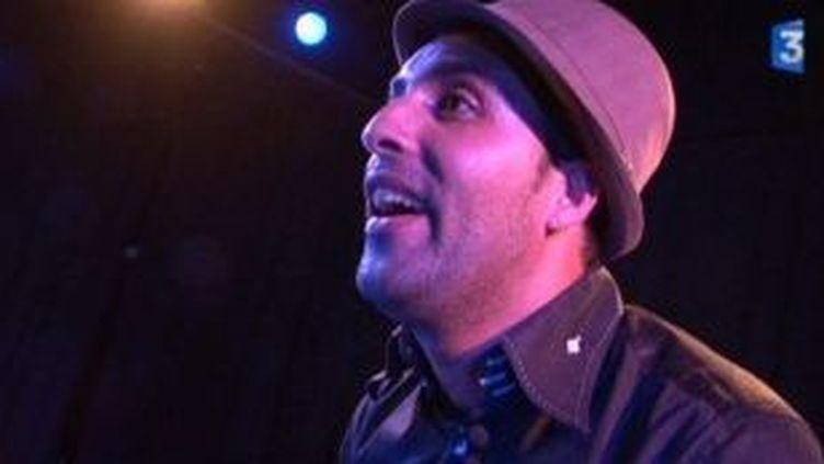 Ahmed Abassi investit la scène du théâtre des Chartreux, à Marseille  (Culturebox)