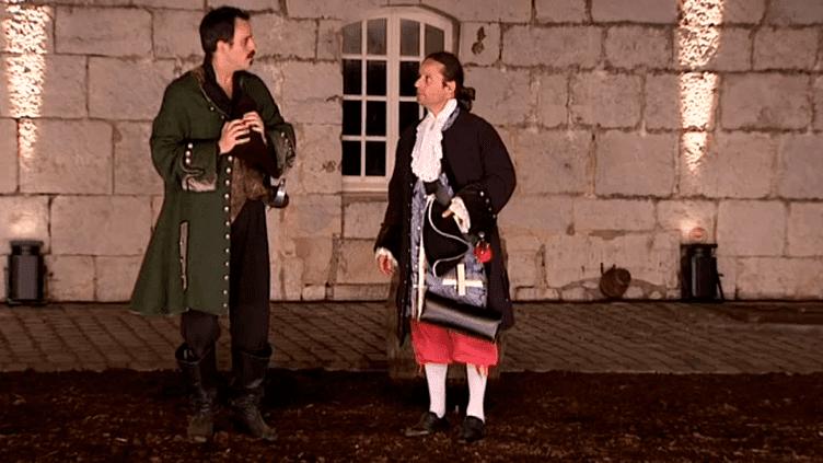 """""""Vauban et son double"""" est une pièce franco-belge interprétée par deux compagnies.  (capture d'écran France 3 / Culturebox)"""