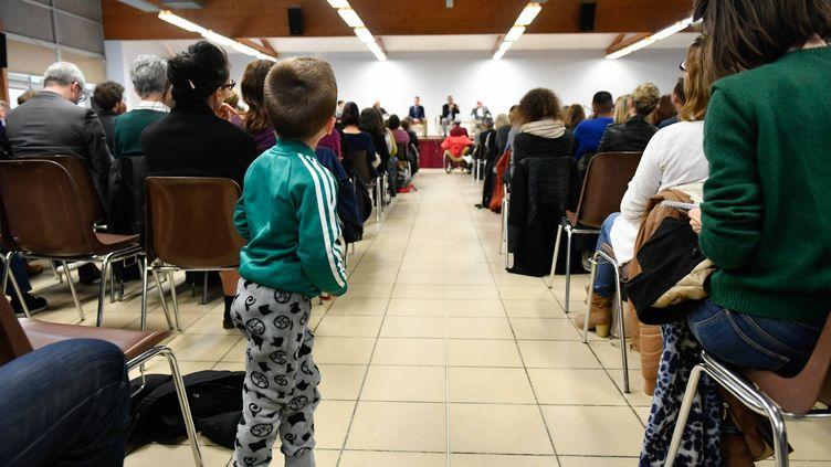 Une réunion publique a été organisée, le 4 avril 2019, par l'Agence régionale de santé avec la mairie de Sainte-Pazanne (Loire-Atlantique). (FRANCK DUBRAY / MAXPPP)