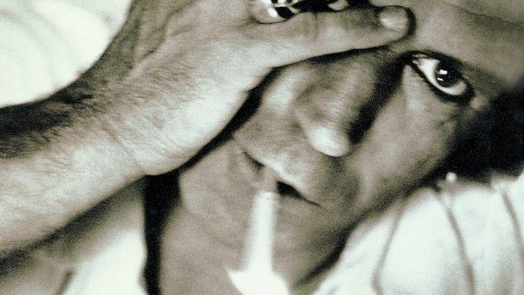 """Keith Richards, en noir et blanc sur la couverture de son auto-biographie, """"Life"""". (David LaChapelle)"""