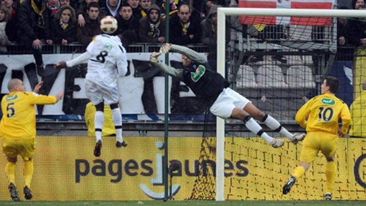 Chambéry est tombé face à Angers (JEAN-PIERRE CLATOT / AFP)