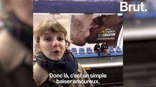 """VIDEO. À la découverte des affiches réalisées pour la série """"Sex Education"""" avec Charlotte Abramow (BRUT)"""