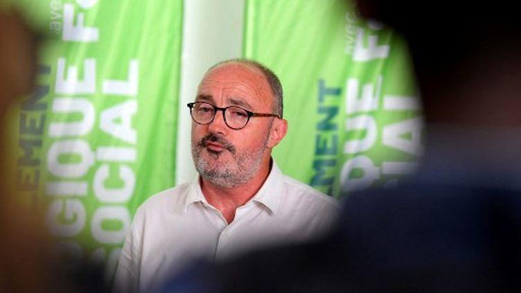 Jean-Laurent Félizia, le 21 juin 2021, après avoir annoncé le retrait de sa liste lors d'une conférence de presse à Marseille. (NICOLAS TUCAT / AFP)