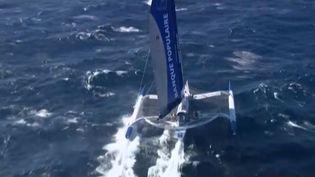 """Armel Le Cléac'h à bord de son trimaran """"Banque Populaire VII"""" pour une traversée de la Méditerranée à la voile en solitaire, le 30 septembre 2013. ( FRANCE 2 / FRANCETV INFO)"""