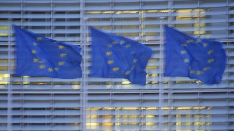 Trois drapeaux de l'Union européenne à Bruxelles (Belgique) (NICOLAS LANDEMARD / LE PICTORIUM / MAXPPP)