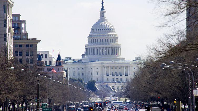 En octobre 2001, le Patriot Act est adopté par le Congrès américain, au Capitole, à Washington (Etats-Unis). (KAREN BLEIER / AFP)