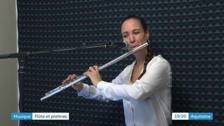 Marine Thibault alias DJ Lia Moon mixe flûte traversière et musique électro (France 3 Bordeaux)