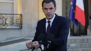 Le ministre de la Santé Olivier Véran lors d'un point-presse à l'Elysée, à Paris, le 24 mars 2020. (LUDOVIC MARIN / POOL / AFP)