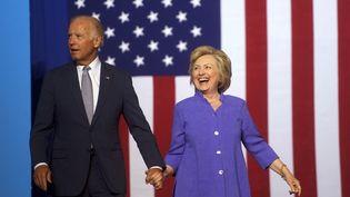 L'ex-candidate à la présidence américaine Hillary Clintonlors d'un rassemblement avec le vice-président américain Joe Bidenà Scranton, en Pennsylvanie, le 15 août 2016. (MARK MAKELA / GETTY IMAGES NORTH AMERICA / AFP)
