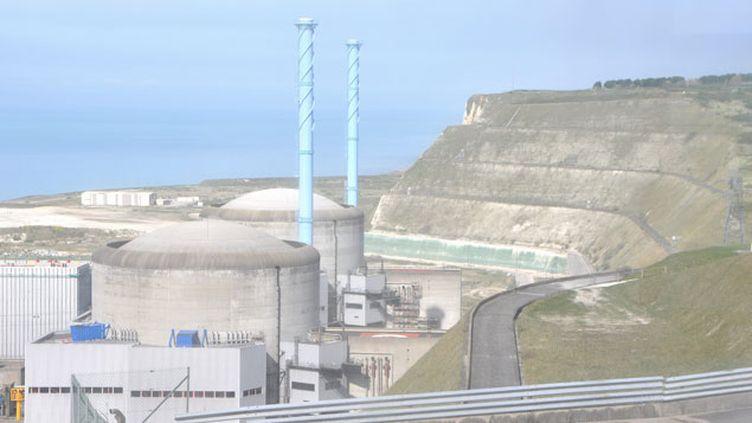 (La centrale nucléaire de Penly fait partie des sites survolés par des drones © MAXPPP)