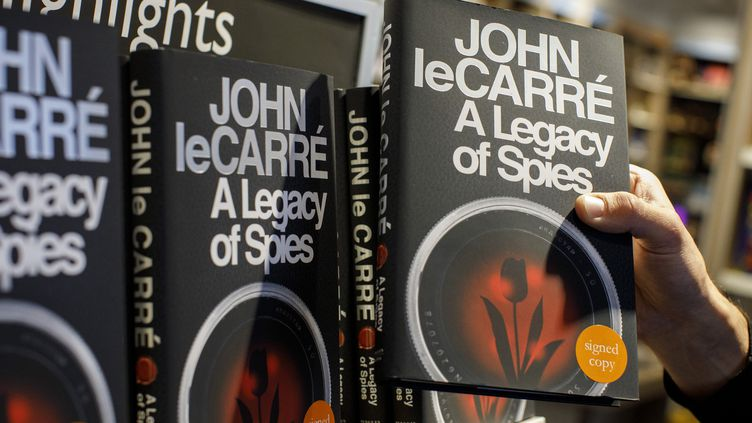 """A legacy of Spies"", John Le Carré  (Tolga AKMEN / AFP)"