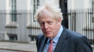 Le Premier ministre britannique Boris Johnson quitte Downing Street, à Londres, le 30 septembre 2020. (WIKTOR SZYMANOWICZ / NURPHOTO / AFP)