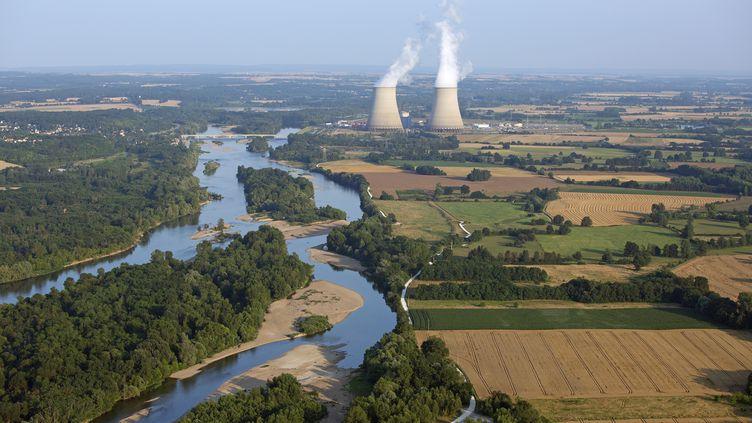 La centrale nucléaire de Belleville-sur-Loire (Cher), le 14 octobre 2013. (GÉRARD LABRIET / AFP)