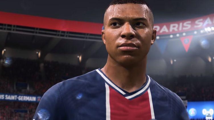 Le joueur de l'équipe de France et du PSG Kyllian Mbappé dans la bande annonce officielledu jeu FIFA 21 diffusée sur YouTube le 23 juillet 2020. (FRANCEINFO / RADIOFRANCE)