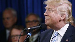 Le candidat à l'investiture républicaine, Donald Trump, prend la parole lors d'une conférence à Bismarck (Dakota du Nord, Etats-Unis), le 26 mai 2016. (JONATHAN ERNST / REUTERS)