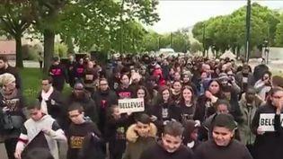 À la suite des nombreuses fusillades de ces derniers mois à Nantes (Loire-Atlantique), des habitants ont manifesté contre la violence.  (CAPTURE D'ÉCRAN FRANCE 3)