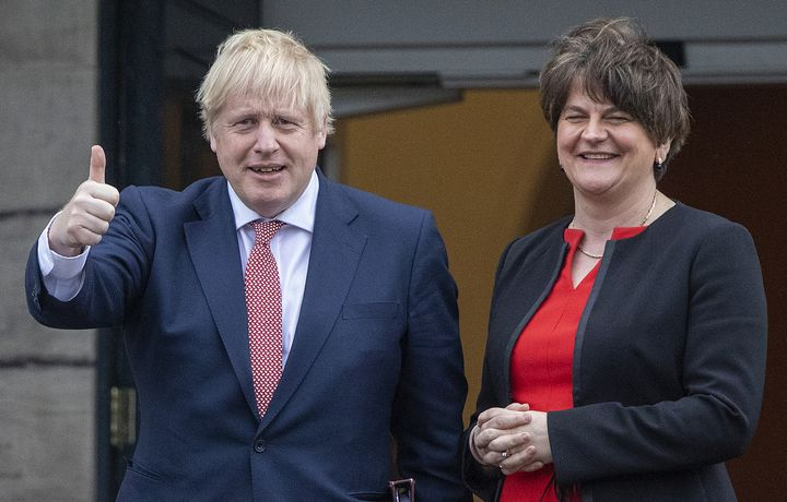 British Prime Minister Boris Johnson and his North Irish counterpart Arlene Foster outside Stormont Palace, seat of the North Irish Parliament, in Belfast, January 13, 2020. & nbsp;  (PAUL FAITH / AFP)
