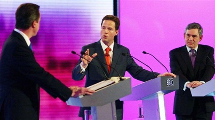 Le debat entre les trois candidats (Gordon Brown à droite), le 29/04/2010 (AFP/Gareth Fuller)