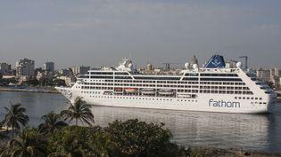 Un navire de croisière américain arrive dans le port de La Havane, le 2 mai 2016, à Cuba. (CITIZENSIDE/RENO MASSOLA / CITIZENSIDE)