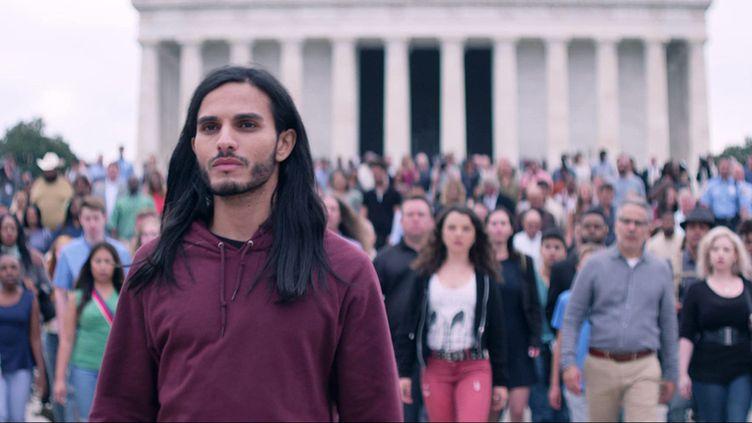 """L'acteur belge Mehdi Dehbi joue le personnage messianique de la série """"Messiah"""" sur Netflix. (NETFLIX)"""