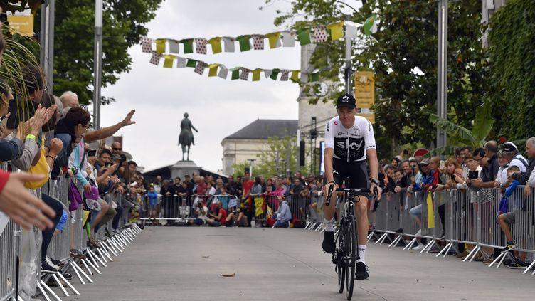 Chris Froome dans les rues de La Roche-sur-Yon (ST?PHANE GEUFROI / MAXPPP)