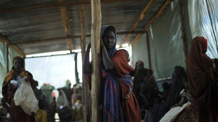 Réfugiés somaliens fuyant la sécheresse et la famine, à Dadaab, au Kénya (23 juillet 2011) (AFP / Tony Karumba)
