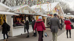 Le marché de Noël de Paris le 15 décembre 2015 (AURELIEN MORISSARD / MAXPPP)