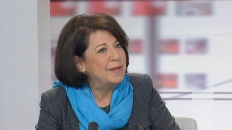 """Corinne Lepage, la présidente de Cap 21 etcandidate écologiste à la présidentielle, le 14 février 2012 aux """"4 vérités"""" sur France 2. (FTVI / FRANCE 2)"""