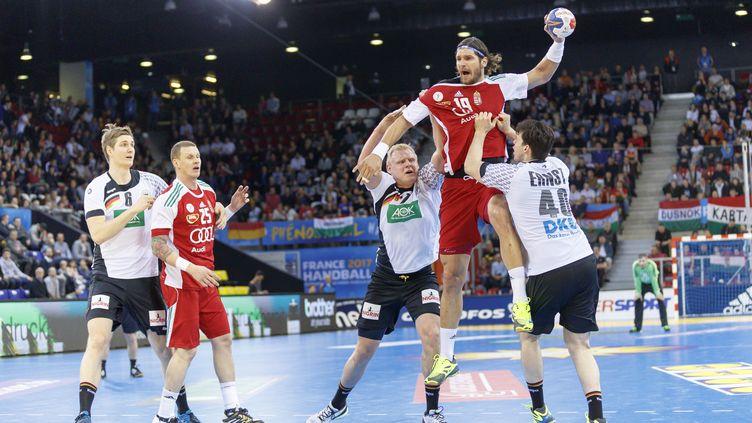 Laszlo Nagy (avec le ballon) s'est blessé lors du match face à l'Allemagne (CITIZENSIDE/ANN-DEE LAMOUR / CITIZENSIDE)