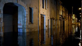 Une rue inondée d'Agen (Lot-et-Garonne), le 8 septembre 2021. (PHILIPPE LOPEZ / AFP)