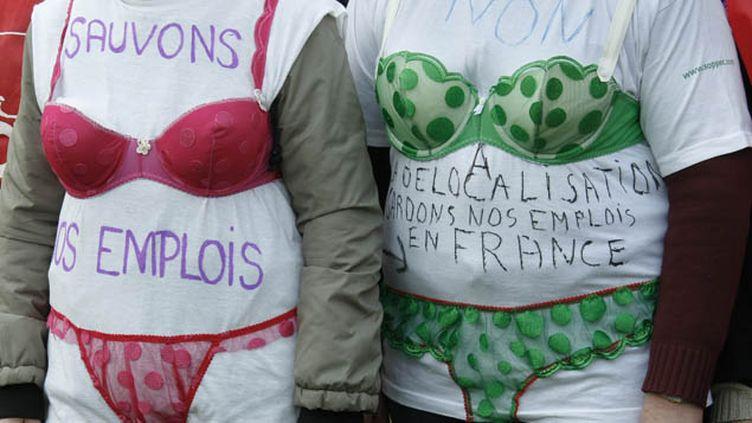 (Un rassemblement pour sauver Lejavy, le fabricant de lingerie, en 2012 © Reuters-)