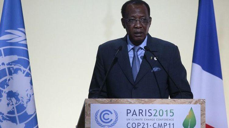 Le président tchadien Idriss Déby fait un discours à l'ouverture de la Conférence sur le Climat au Bourget, le 30 novembre 2015. ( PHOTO AFP / JACQUES DEMARTHON)