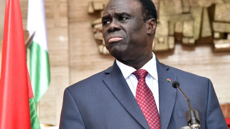 Michel Kafando, le président dela transition au Burkina Faso, à Abidjan (Côte d'Ivoire), le 31 juillet 2015. (ISSOUF SANOGO / AFP)