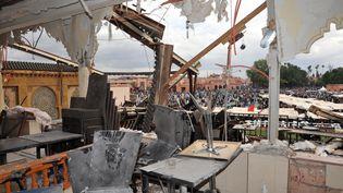 L'intérieur du café Argana, à Marrakech, le 30 avril 2011. Deux jours plus tôt, un attentat à la bombe avait frappé ce lieu touristique. (ABDELHAK SENNA / AFP)