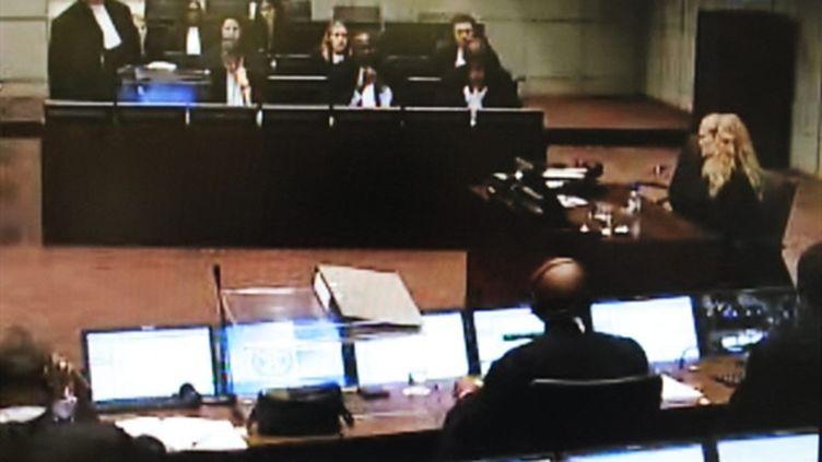 La salle de la cour de La Haye devant laquelle l'actrice américaine Mia Farrow est en train de témoigner (AFP - MIGUEL MEDINA)