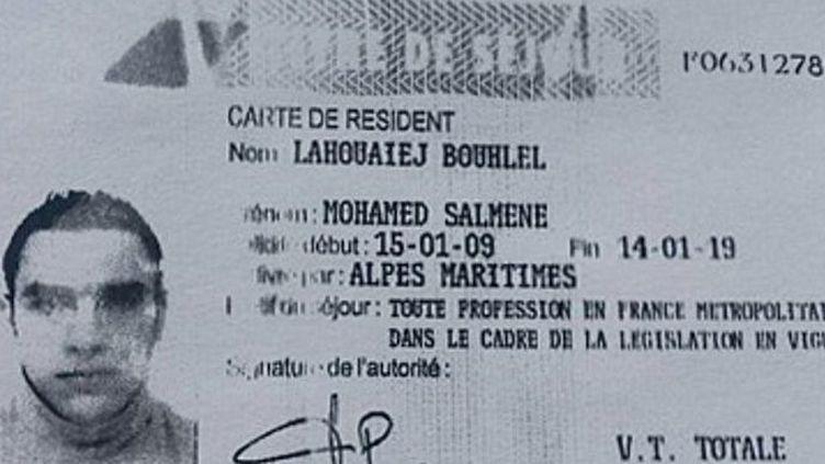 Copie de la carte de résident en France de Mohamed Lahoueiej Bouhlel obtenue par l'AFP auprès des services de police et diffusée le 15 juillet 2016. (FRENCH POLICE SOURCE/AFP)