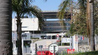 L'hôpital militaire Sainte-Anne, à Toulon, en mars 2020. (LUC BOUTRIA DOMINIQUE LERICHE / NICE MATIN / MAXPPP)