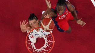 Les Françaises ont limité la casse face aux Américaines et se qualifient pour les quarts de finale. (BRIAN SNYDER / POOL)