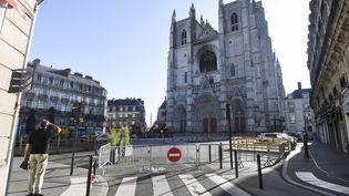 La cathédrale de Nantes (Loire-Atlantique) le 19 juillet 2020, au lendemain de l'incendie qui a touché l'édifice. (SEBASTIEN SALOM-GOMIS / AFP)