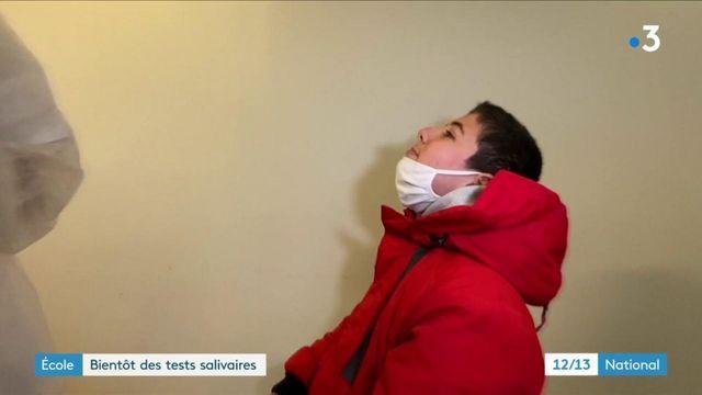 Covid-19 : des tests salivaires dans les écoles